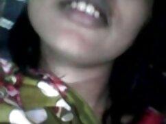 Chica masturbándose en pornostar mexicana la cama