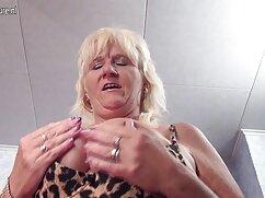 Cómo porno amateur mexicano satisfacer a su esposa con esta rubia